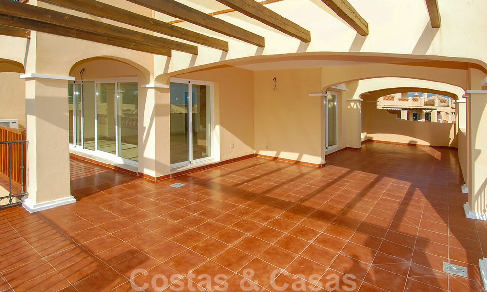 Luxury frontline golf apartments for sale, Marbella - Estepona 24287