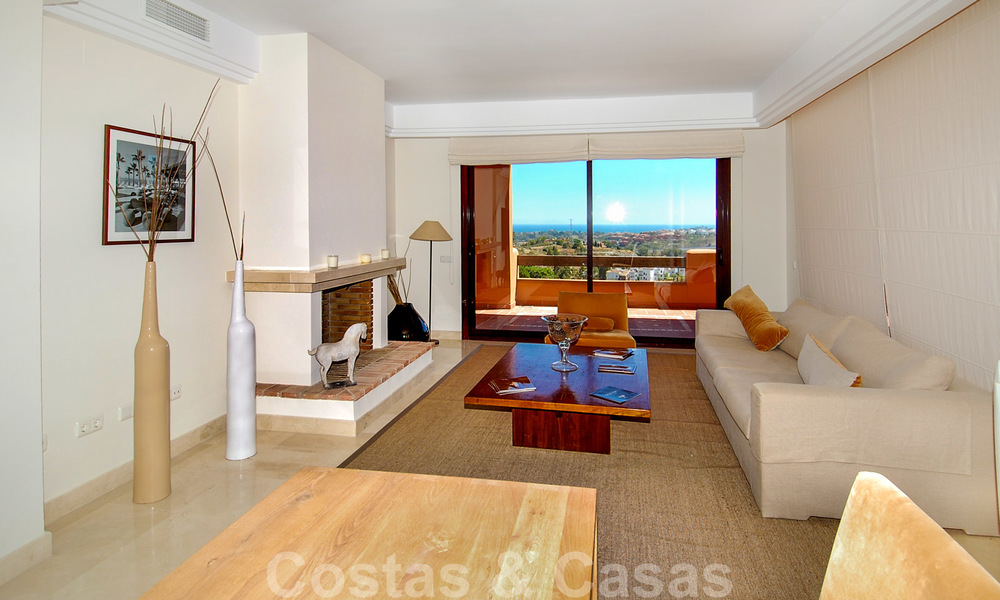 Luxury apartments for sale with sea views, Marbella -Benahavis 19972