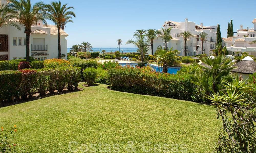 Beachfront and first line golf apartments for sale in Los Monteros Palm Beach, Marbella 26169