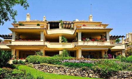 Frontline golf Luxury apartments and penthouses for sale in Nueva-Andalucia, Marbella 2369