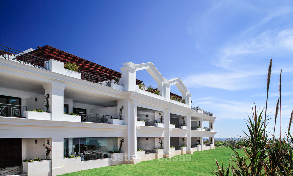 Beachfront luxury apartments for sale, Estepona, Costa del Sol with open sea views 9721