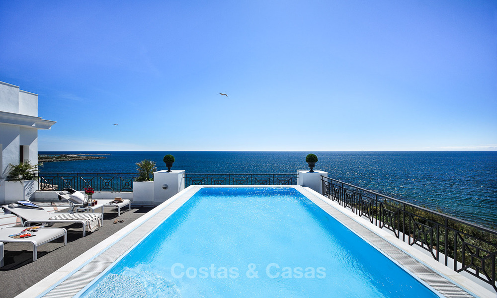 Frontline beach luxury apartment for sale with open sea view, Estepona, Costa del Sol 9755