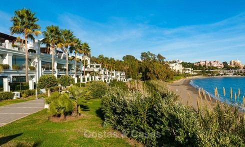 Frontline beach luxury apartment for sale with open sea view, Estepona, Costa del Sol 7965