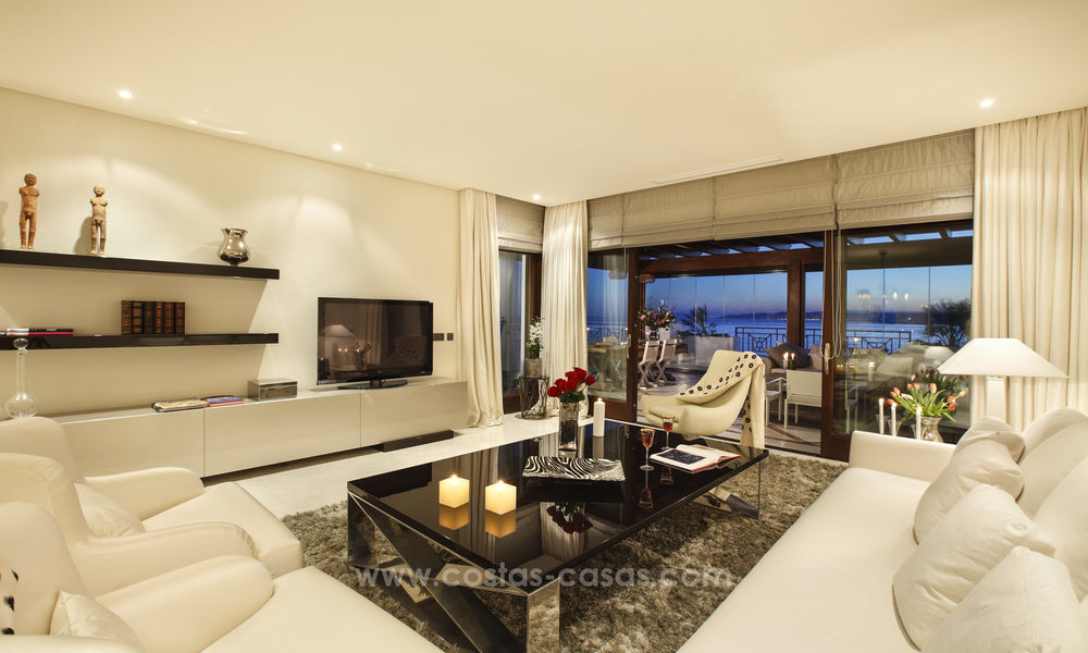 Frontline beach luxury 3 bedroom apartment for sale, Estepona, Costa del Sol with open sea view 9797