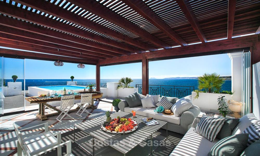 Frontline beach luxury 3 bedroom apartment for sale, Estepona, Costa del Sol with open sea view 9782