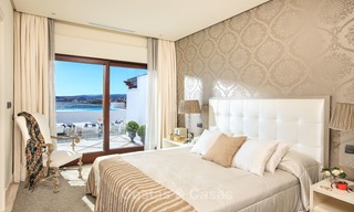 Frontline beach luxury 3 bedroom apartment for sale, Estepona, Costa del Sol with open sea view 9783