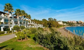 Frontline beach luxury 3 bedroom apartment for sale, Estepona, Costa del Sol with open sea view 7981