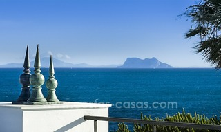 Frontline beach luxury penthouse to buy, Estepona, Costa del Sol, first line beach with open sea view and private pool 9858