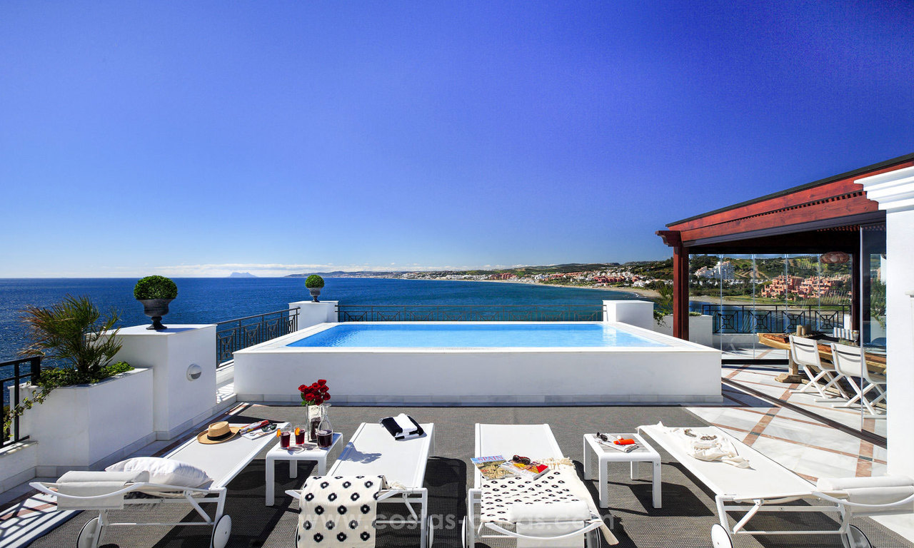 Frontline beach luxury penthouse to buy, Estepona, Costa del Sol, first line beach with open sea view and private pool 9831