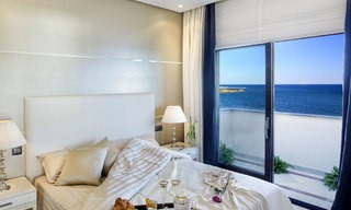 Frontline beach luxury penthouse to buy, Estepona, Costa del Sol, first line beach with open sea view and private pool 9834