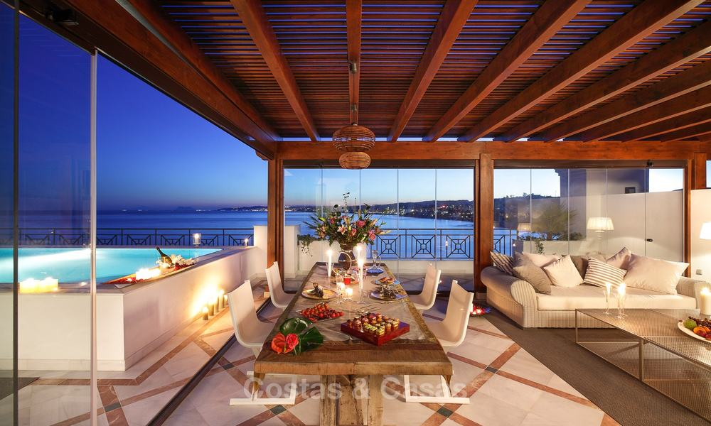 Frontline beach luxury penthouse to buy, Estepona, Costa del Sol, first line beach with open sea view and private pool 9841