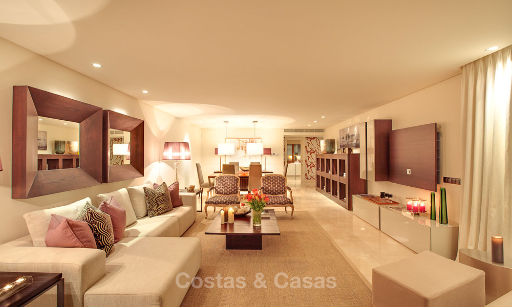 Frontline beach luxury penthouse to buy, Estepona, Costa del Sol, first line beach with open sea view and private pool 9844