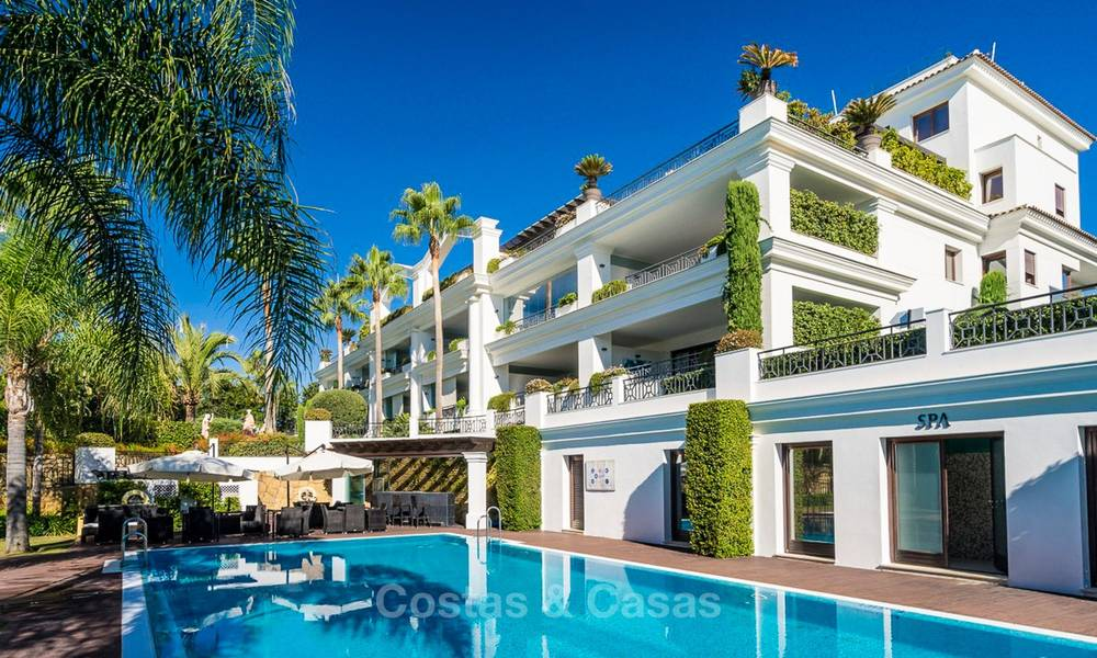 Frontline beach luxury penthouse to buy, Estepona, Costa del Sol, first line beach with open sea view and private pool 9848
