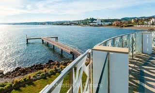 Frontline beach luxury penthouse to buy, Estepona, Costa del Sol, first line beach with open sea view and private pool 7990