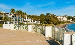 Frontline beach luxury penthouse to buy, Estepona, Costa del Sol, first line beach with open sea view and private pool 7994