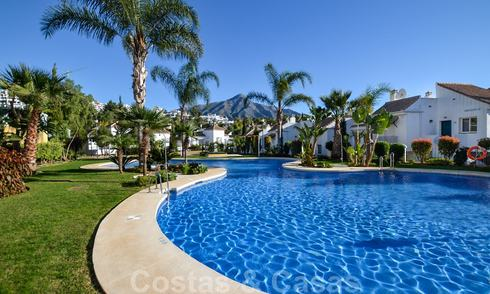 Bargain apartments for sale on cozy gated resort in Nueva Andalucía - Marbella 20686