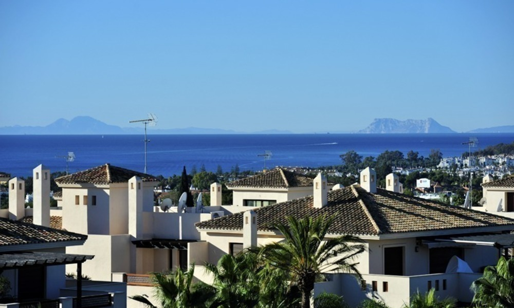 Penthouse apartment for sale at easy walking distance to Puerto Banus, Marbella 1148