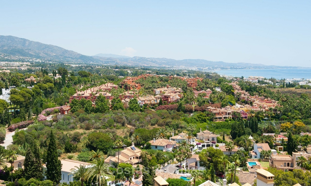 Penthouse apartment for sale at easy walking distance to Puerto Banus, Marbella 1139