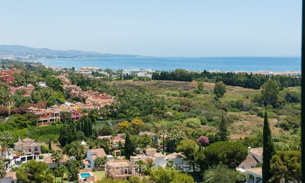 Penthouse apartment for sale at easy walking distance to Puerto Banus, Marbella 1140