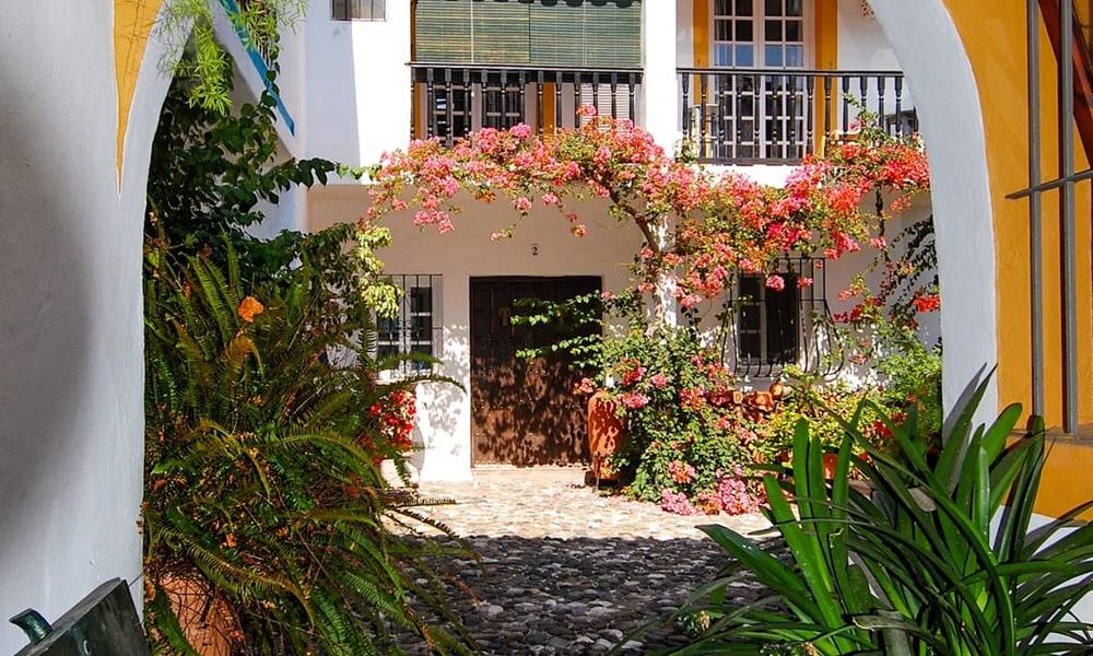 Townhouses for sale in an pueblo style Andalucian villages in Marbella 28251