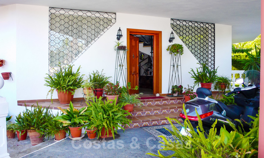 One of a kind villa for sale in a well-known area on the New Golden Mile in Estepona - Marbella 22734