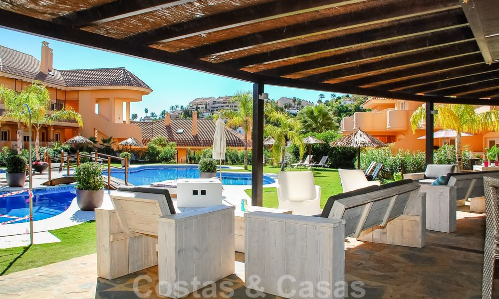 Spacious luxury apartments and penthouses for sale in a sought after complex in Nueva Andalucia, Marbella 20792