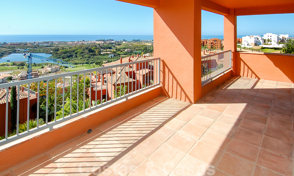 Luxury golf apartment for sale, golf resort, Marbella - Benahavis - Estepona 23491