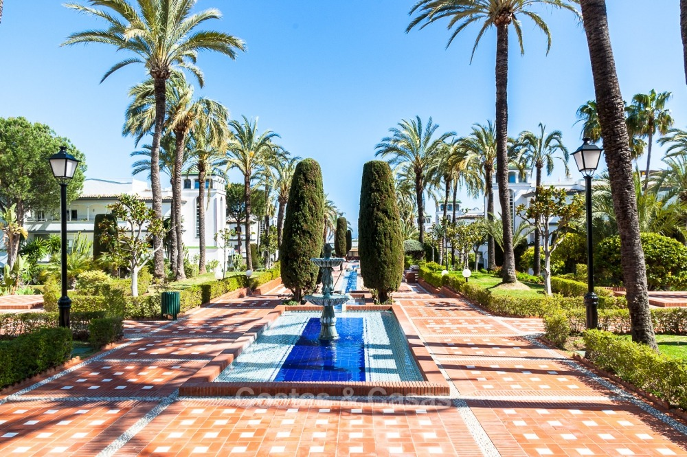 Apartments for sale in an exclusive beachfront complex, New Golden Mile, Marbella - Estepona 11017
