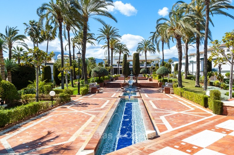 Apartments for sale in an exclusive beachfront complex, New Golden Mile, Marbella - Estepona 11019