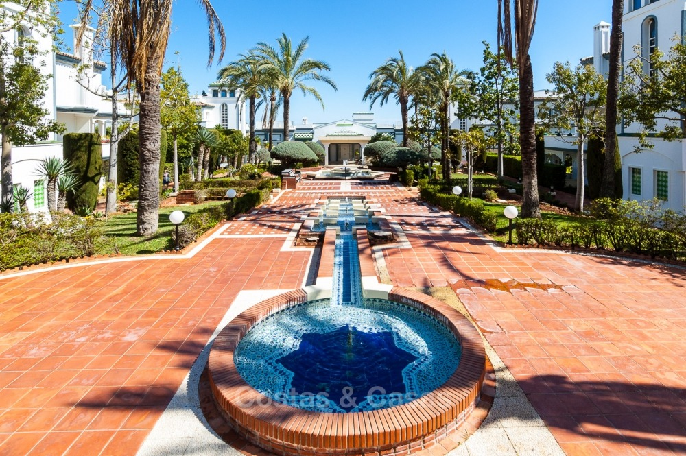 Apartments for sale in an exclusive beachfront complex, New Golden Mile, Marbella - Estepona 11020