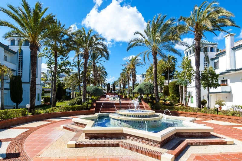Apartments for sale in an exclusive beachfront complex, New Golden Mile, Marbella - Estepona 11024