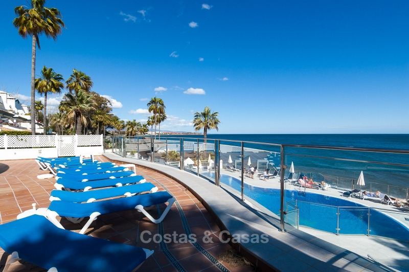 Apartments for sale in an exclusive beachfront complex, New Golden Mile, Marbella - Estepona 11029