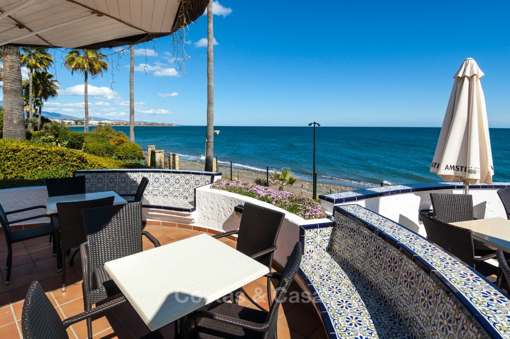 Apartments for sale in an exclusive beachfront complex, New Golden Mile, Marbella - Estepona 11030