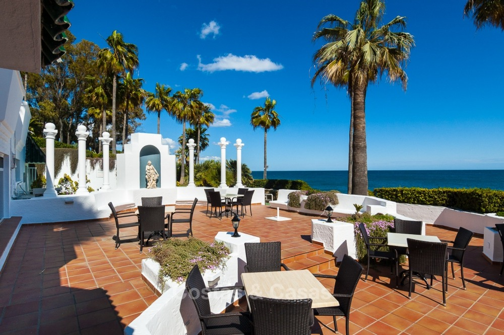 Apartments for sale in an exclusive beachfront complex, New Golden Mile, Marbella - Estepona 11031