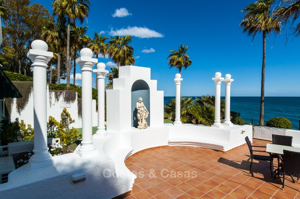 Apartments for sale in an exclusive beachfront complex, New Golden Mile, Marbella - Estepona 11016