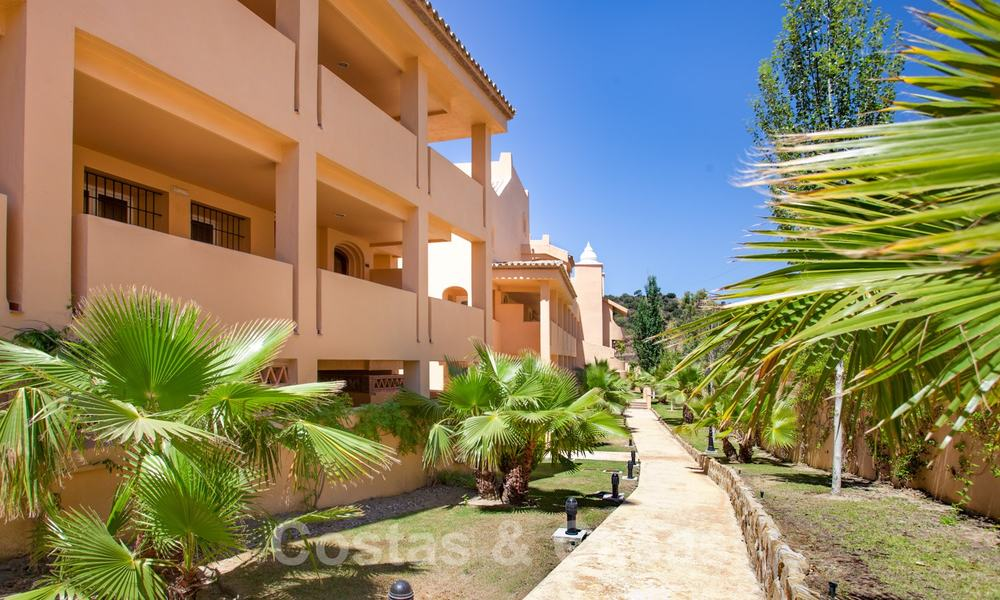 Apartments for sale with sea views and spacious terraces in Elviria, Marbella east 20257