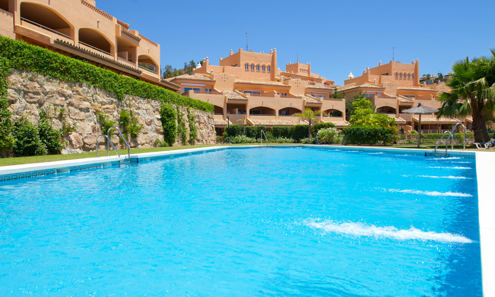 Apartments for sale with sea views and spacious terraces in Elviria, Marbella east 20269