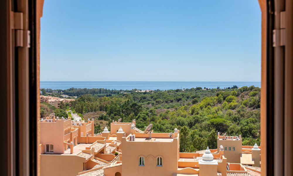 Apartments for sale with sea views and spacious terraces in Elviria, Marbella east 20270