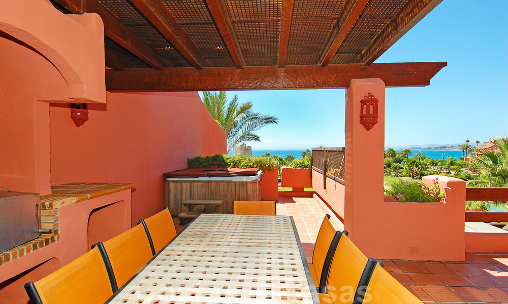 Luxury first line beach penthouse apartment for sale on the New Golden Mile, between Puerto Banus and Estepona centre 23220