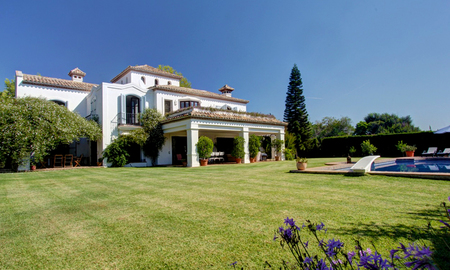 Luxury villa for sale on the Golden Mile in Marbella 5584