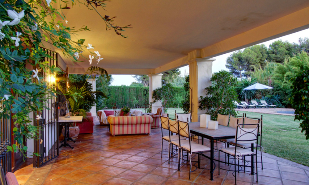 Luxury villa for sale on the Golden Mile in Marbella 5583