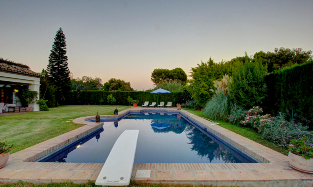 Luxury villa for sale on the Golden Mile in Marbella 5580