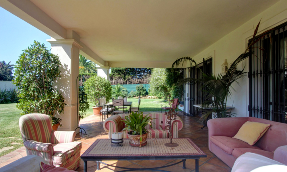 Luxury villa for sale on the Golden Mile in Marbella 5588