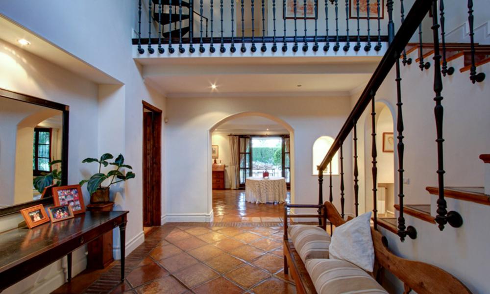Luxury villa for sale on the Golden Mile in Marbella 5592