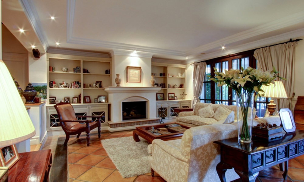 Luxury villa for sale on the Golden Mile in Marbella 5595