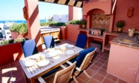 Beachfront apartments - penthouses for sale, first line beach, Marbella - Estepona 3