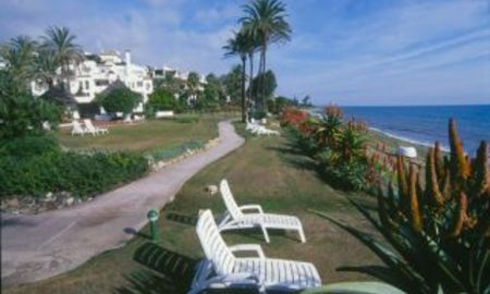 Apartments for sale, beachfront complex, frontline beach Estepona, Costa del Sol