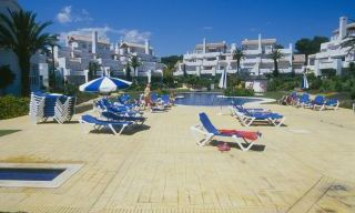 Beachfront and first line golf apartments for sale in Marbella, Los Monteros Playa 3