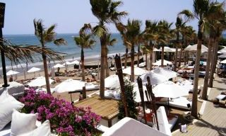 Beachside luxury apartments for sale, Marbella East 0