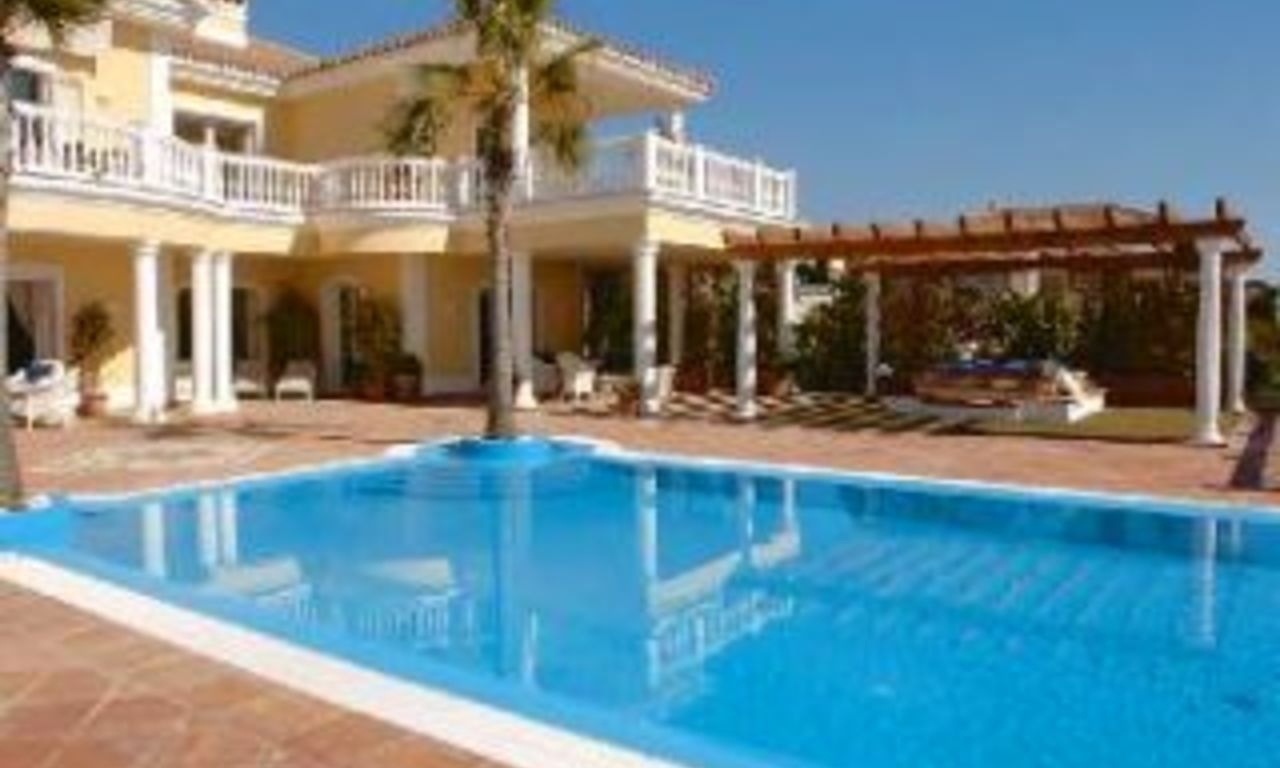 Exclusive villa for sale in Marbella - Sierra Blanca - Costa del Sol 4
